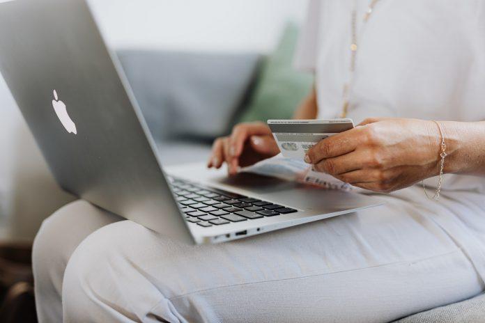 Jak oszczędzać w Internecie