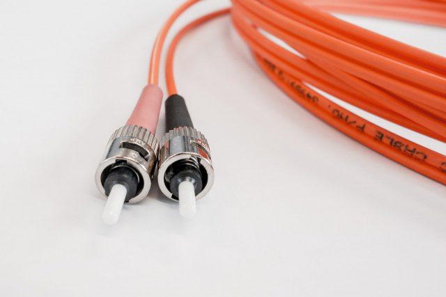 Przewód a kabel